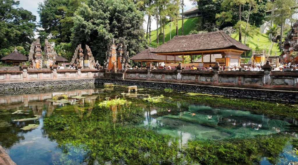 Đền Tirta Empul - Đền linh thiêng nhất Bali