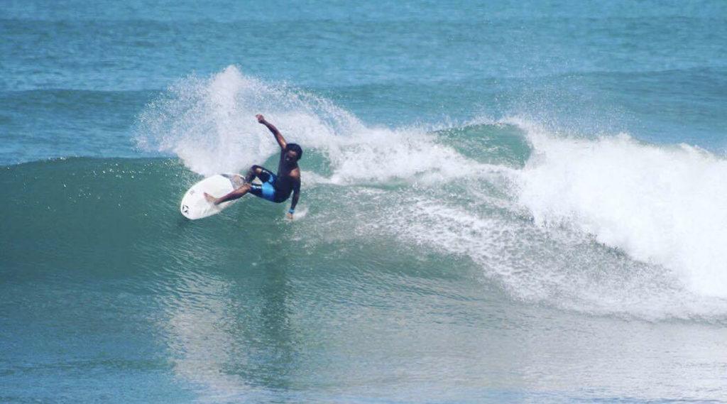 lướt sóng ở canggu