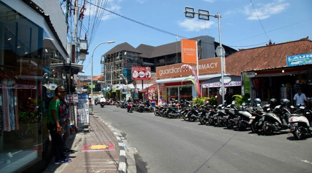 Corona ở Bali